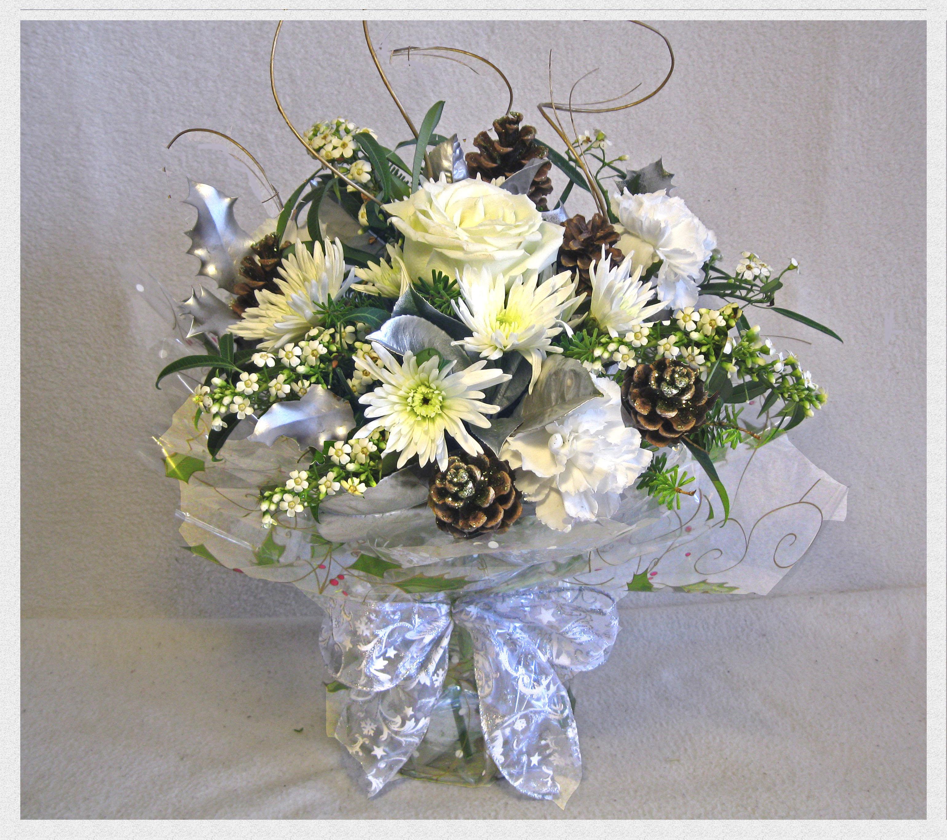Christmas vase vase flowers white christmas leeds yeadon rawdon christmas vase send flowers leeds florists christmas flower delivery yeadon rawdon mightylinksfo
