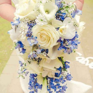 blue and white shower boquuet teardrop