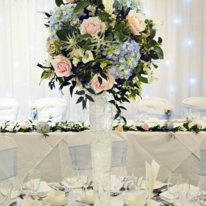 woodhall hotel wedding flowers