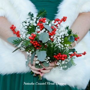 4 christmas wedding flowers rustic gypsophila bridesmaid berries red ilex