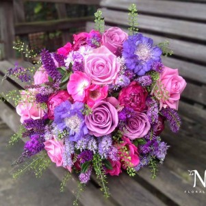 bright pink fuschia purple wedding flowers