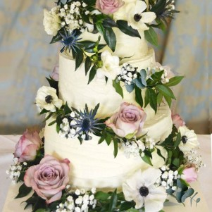 cake flowers galrand dusky pink rose anemone thistle gyp wedding flowers leeds