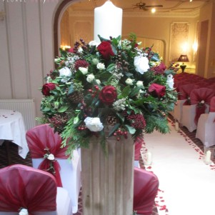 canlde arrangement pedestal ceremony, wedding, red and white