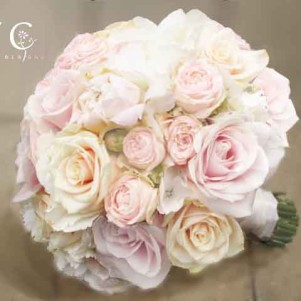cream champagne blush pink wedding flowers