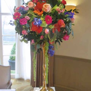 GOLD CANDELABRA, LEEDS WEDDING FLOWERS, YORSKSHIRE, BRIGHT COLOURS