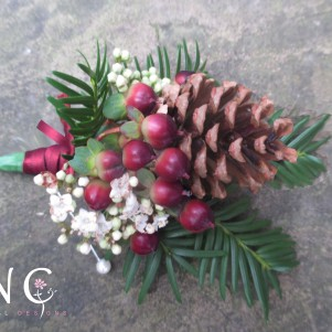hypercium, wine colour, christmas, pine cones, buttonhole