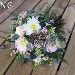 rustic wild woodland pastel wedding flowers