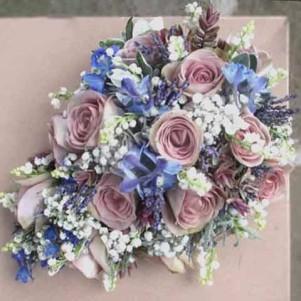 teardrop bouquet dusky pink amnesia rose lavender gyp